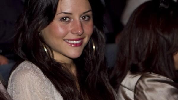 La hija del primer actor Gonzalo Vega, anhela contraer nupcias vestida de blanco y haciendo tremenda fiesta. Asegura que su actual novio es el hombre de su vida.