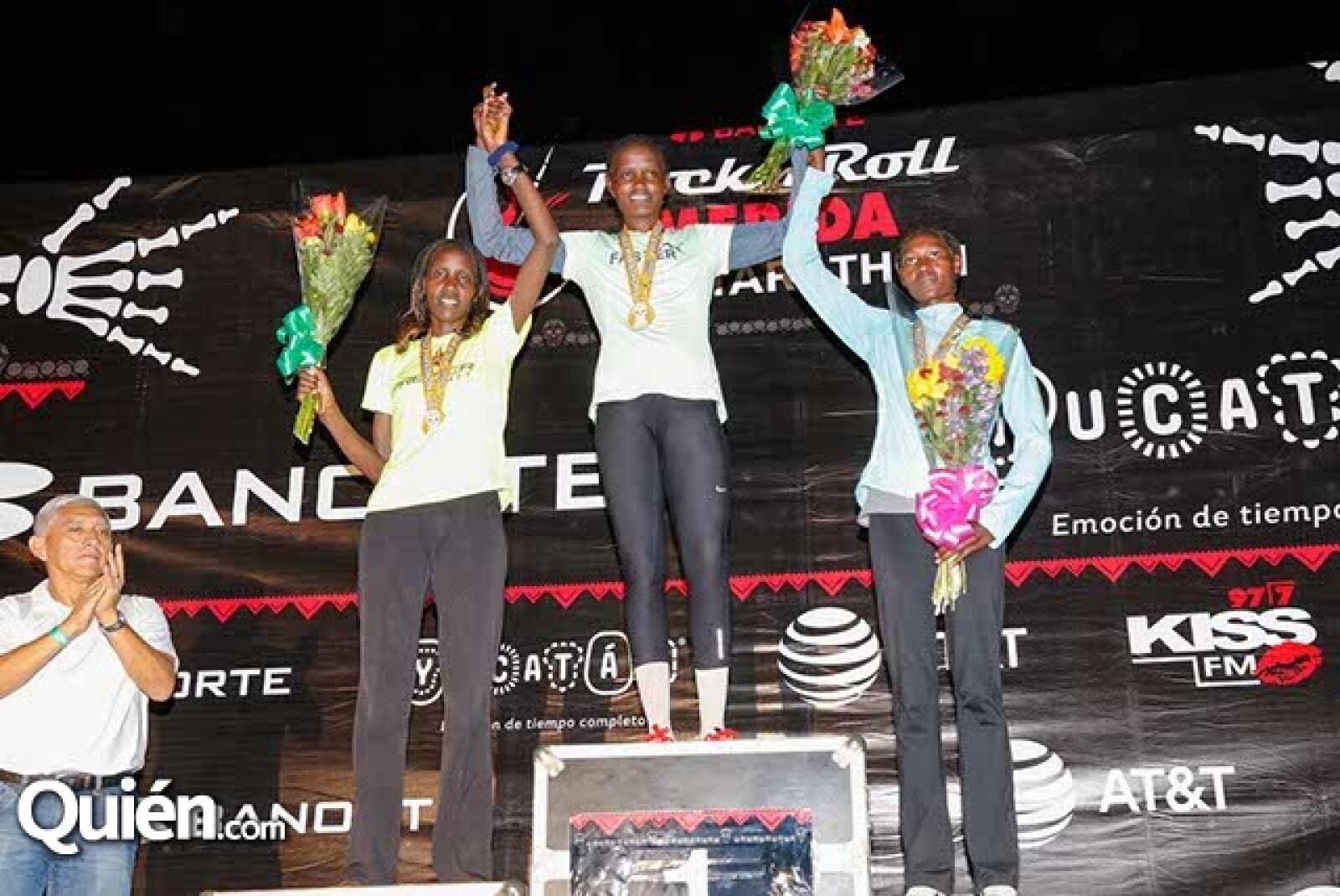 Leah Jebiwot Kigen (2),Genoveva Jelagat Kigen (1) y Caroline Jebiwot Kiptoo (3)