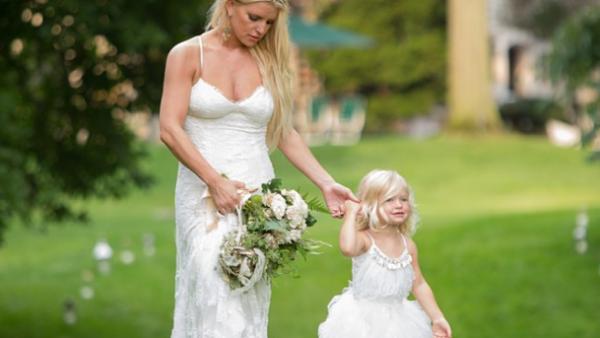 ¡Qué lindas! Jessica Simpson y su hija en la boda de su hermana, Ashlee Simpson.