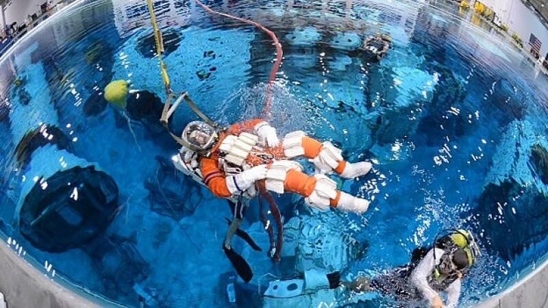 Steve Bowen astronauta piscina