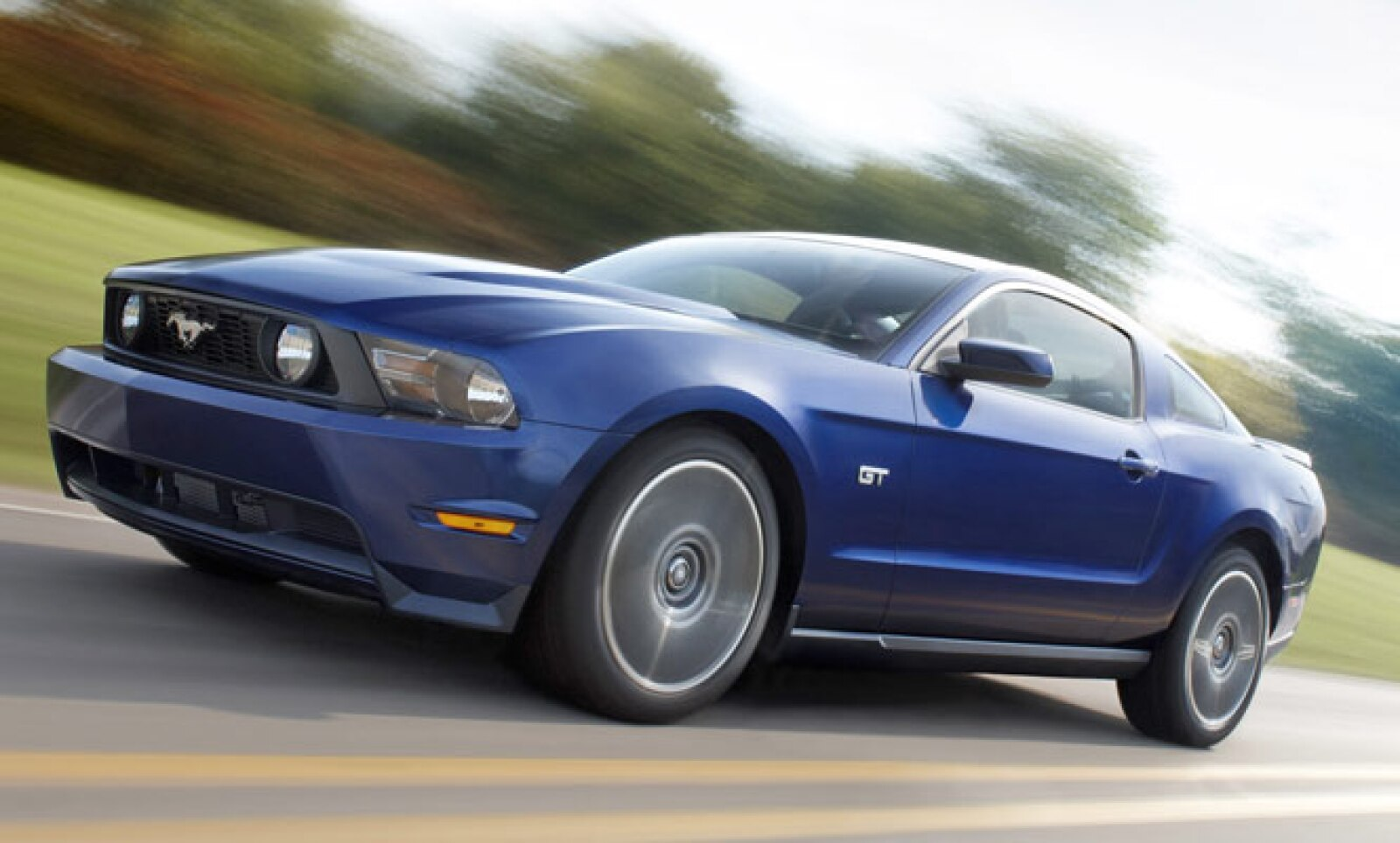 El 'eterno' Mustang, segundo lugar del conteo, reportó 655 vehículos vendidos entre enero y junio pasados, una reducción de 12.3% respecto al mismo lapso de 2010, cuando vendió 747 unidades.