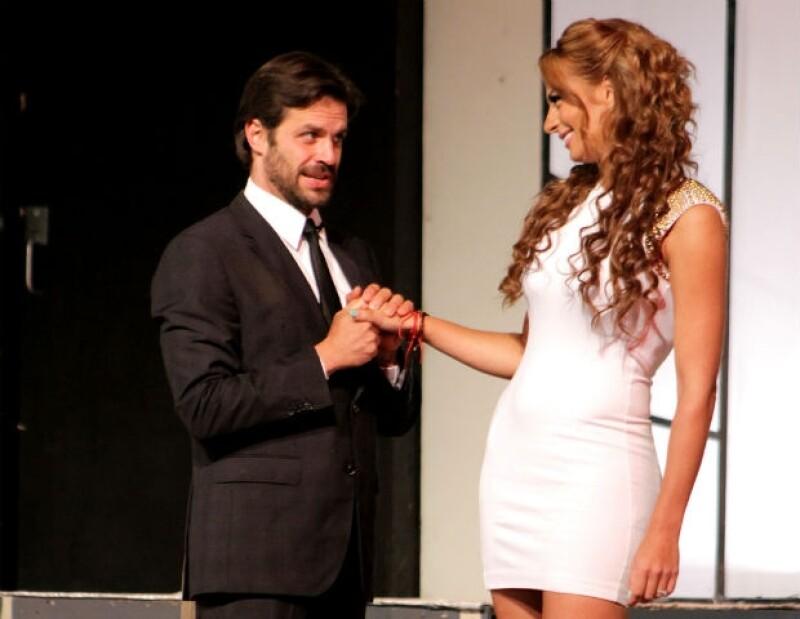 A pesar de que fue en octubre de 2010 cuando la pareja se comprometió, el actor asegura que no hay planes inmediatos de llegar al altar.