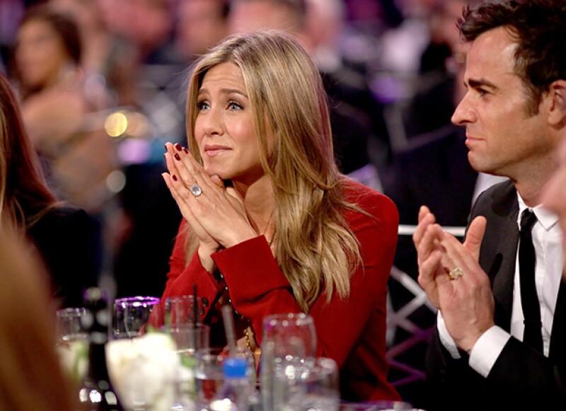 Tanto Jennifer Aniston como su prometido ocuparon rápidamente sus lugares previo al inicio de la ceremonia.