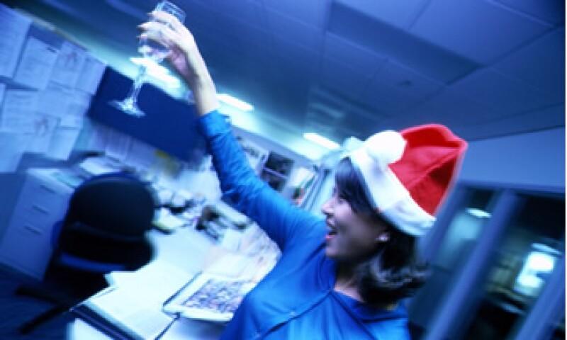 Hay empleados que construyen una buena reputación laboral, pero la pierden por completo en la fiesta de fin de año. (Foto: Thinkstock)