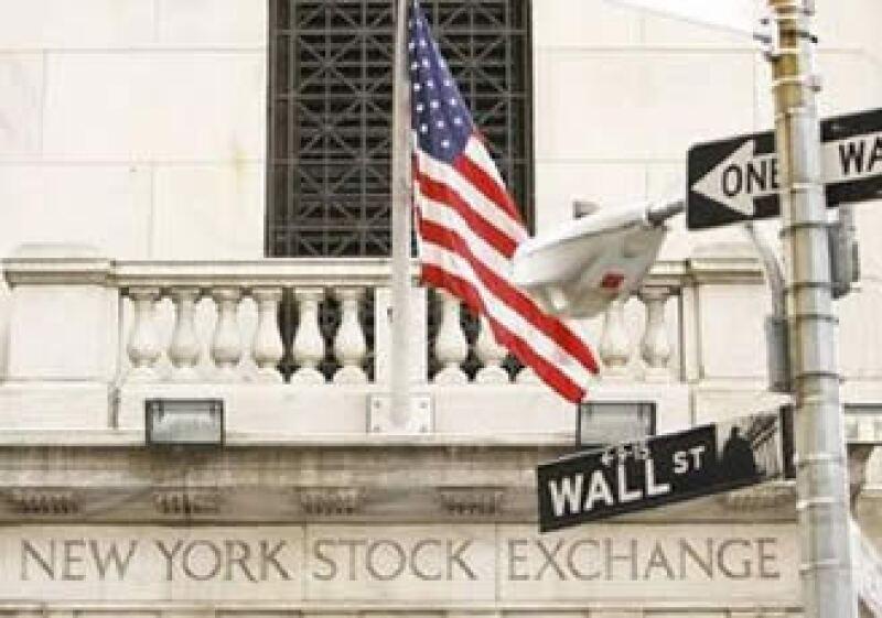 Los datos económicos positivos de EU no ofrecieron estabilidad en la sesión del mercado. (Foto: Reuters)