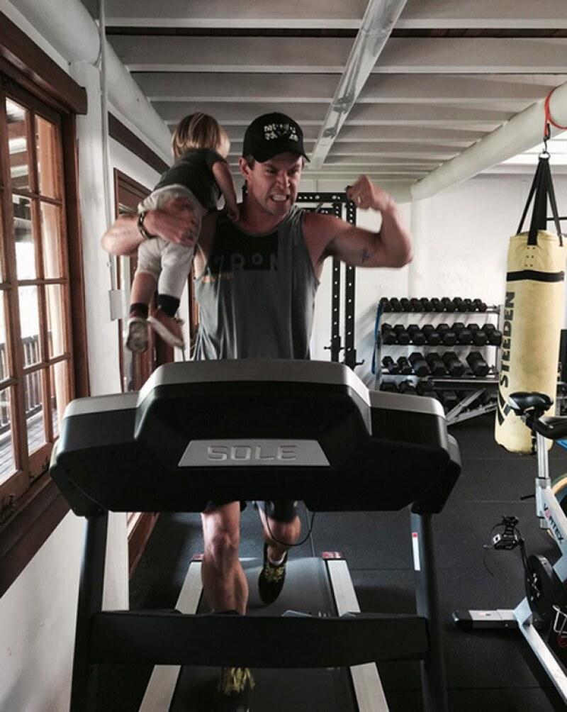 Chris acaba de abrir su cuenta de Instagram, donde ha compartido tiernos momentos con sus hijos.