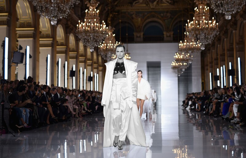 Balmain : Runway - Paris Fashion Week Womenswear Spring/Summer11 2019