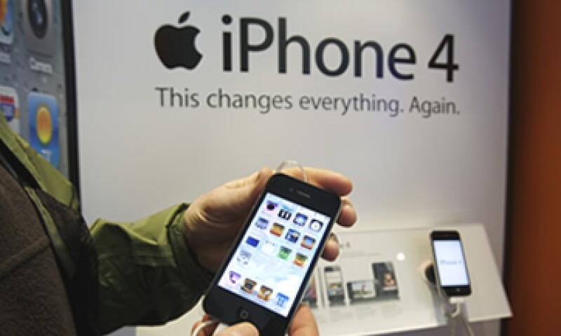 Se estima que Apple distribuya casi el doble de iPhones (86.4 millones) que en 2010 (47.5 millones). (Foto: AP)