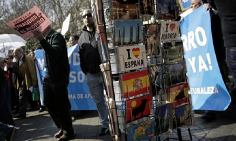 España es la cuarta economía de la eurozona y es más grande que Portugal, Irlanda y Grecia combinadas. (Foto: AP)