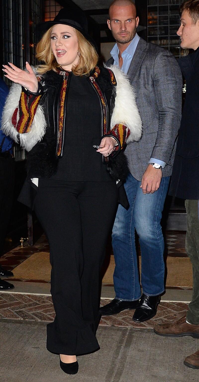 Adele ha logrado bajar más de 30 kilos los últimos meses.