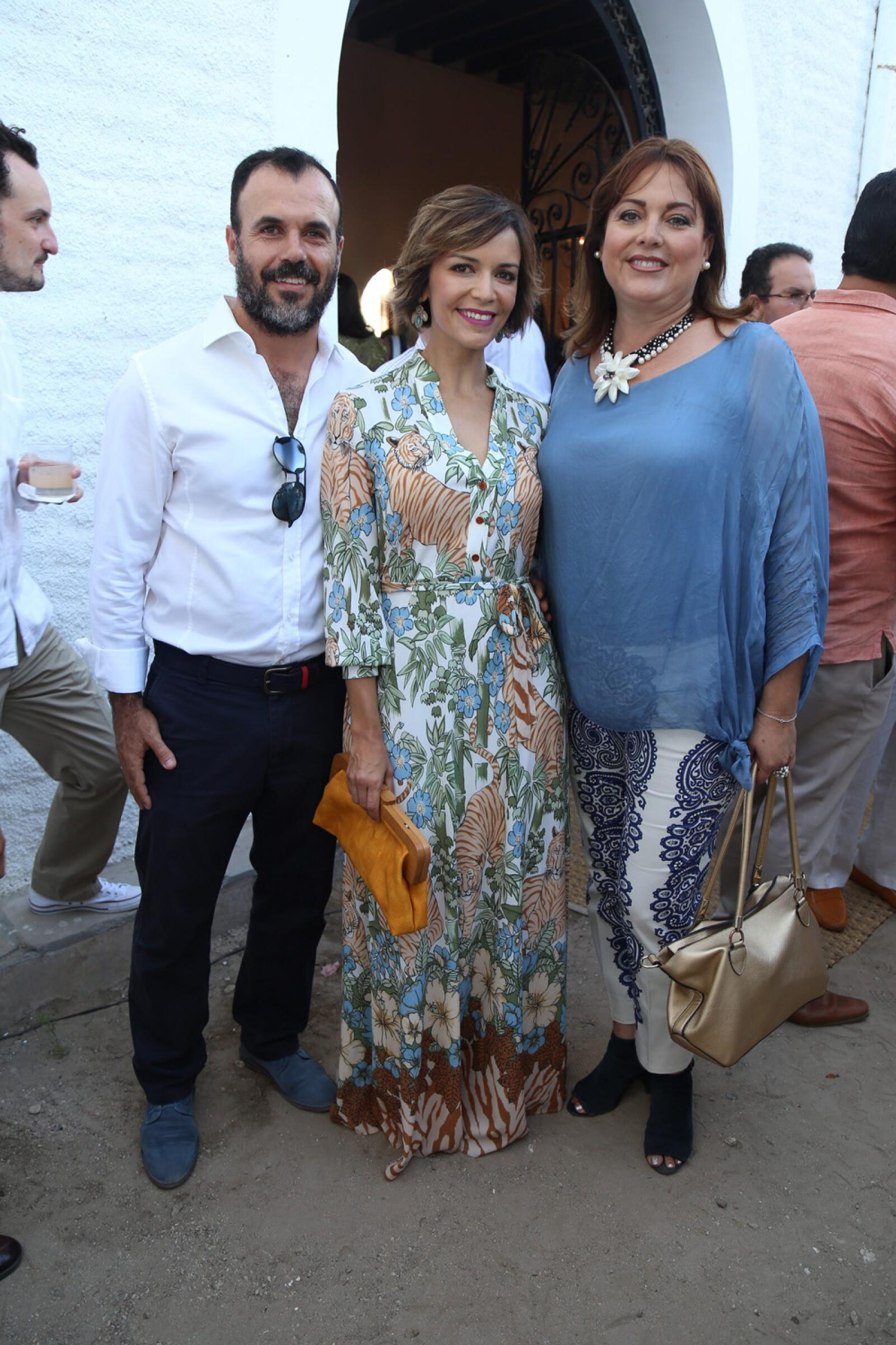Rosita Cordero , Thelma Ramos, Jose Otero.jpg