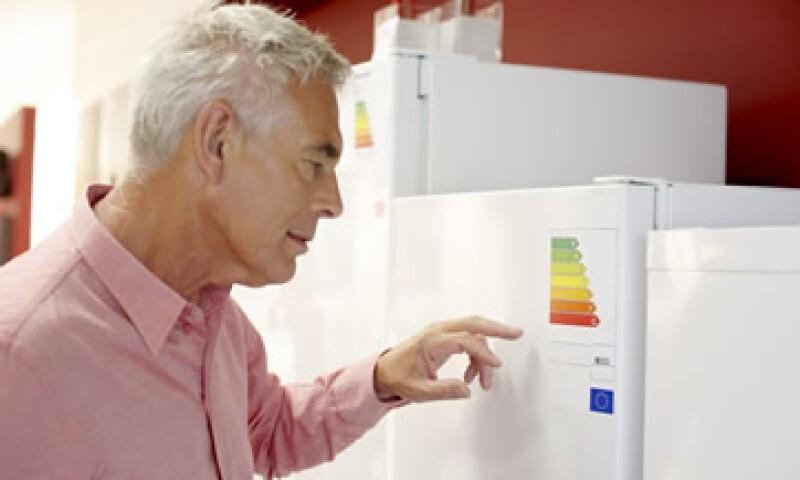 El consumo marcado en tu recibo de luz determinará si eres candidato a los apoyos. (Foto: Thinkstock)