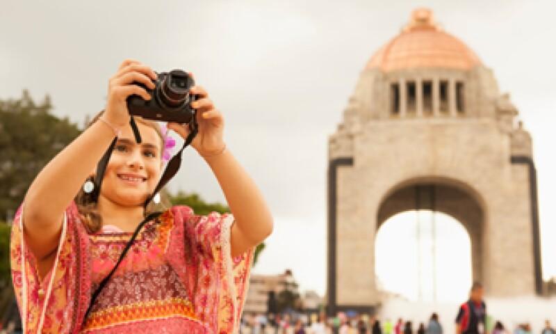 De los mexicanos que salen de vacaciones, el 72% usa su sueldo para pagar su viaje. (Foto: iStock by Getty Images.)