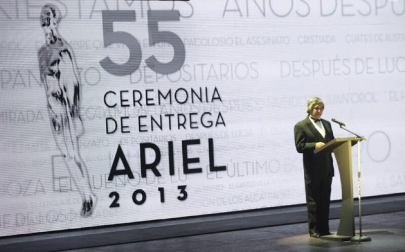 """Las cintas """"El premio"""" de Paula Marcovitch y """"La demora"""" de Rodrigo Plá se coronaron como las favoritas al llevarse el Ariel en las categorías de mejor dirección y mejor película, respectivamente."""