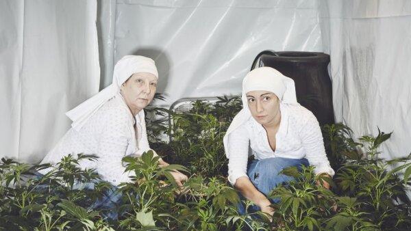 Las Hermanas Espirituales del Valle dicen que sus productos contienen los ataques, bajan la inflamación y ayudan con la ansiedad y la depresión.
