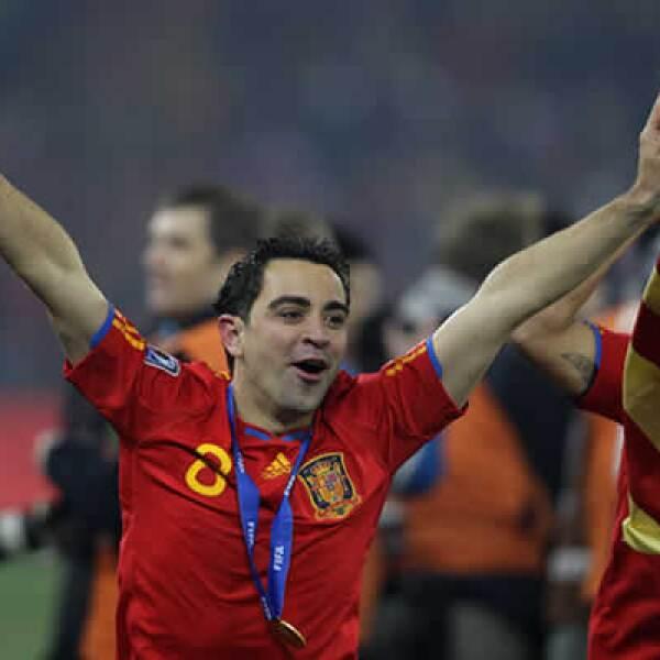 El organizador del conjunto español milita en el Barcelona, club al cual ascendió desde sus equipos inferiores.