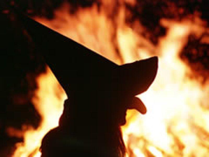 En Lituania, las brujas ofrecen su servicios para pronosticar el futuro y hacer hechizos. (Foto: AP)