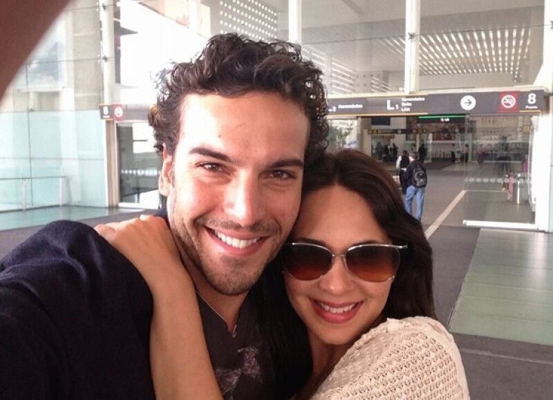 """La actriz actualmente participa en la filmación de la cinta """"Los árboles mueren de pie"""" junto a Jaime Camil, misma que tiene como locaciones el estado de Campeche."""