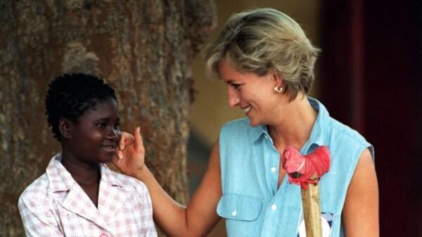 Sandra Thijika y Diana de Gales
