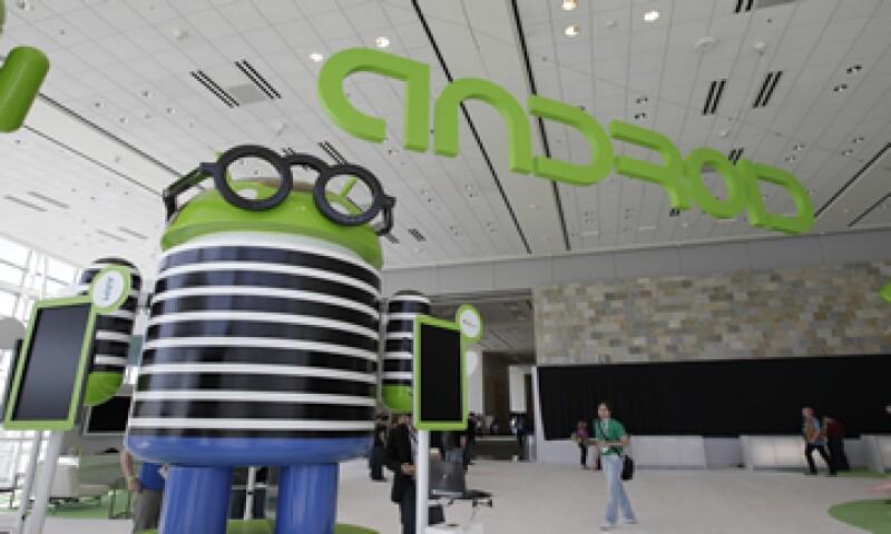 Dado que el software de Android es de fuente abierta, las empresas son libres de jugar con él y personalizarlo en función de sus necesidades. (Foto: AP)