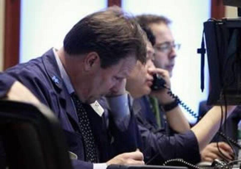 Los mercados estadounidenses fueron afectados por el anuncio de una demanda contra el banco Goldman Sachs.  (Foto: Reuters)