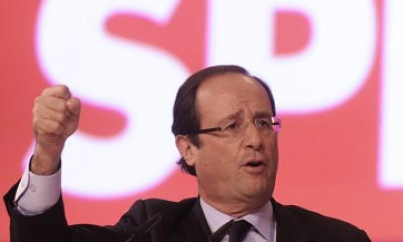 Hollande lleva ventaja en las intenciones de voto frente a Sarkozy. (Foto: Reuters)