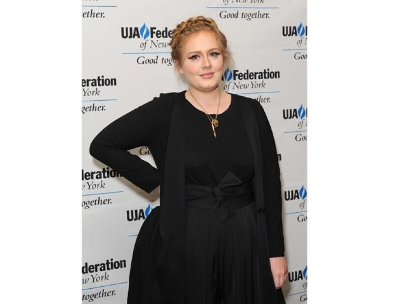 Adele se sumaría a la lista de famosas que publican un libro.
