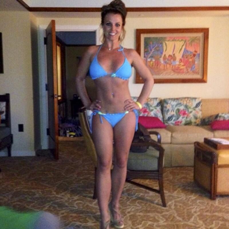 Britney aprovechó este viaje para lucir cuerpazo.
