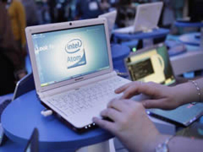 AT&T ofrecería las netbooks a un precio inicial de 99 dólares. (Foto: AP)