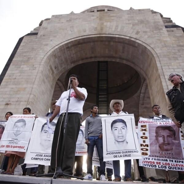 Ayotzinapa_marcha_6meses_10