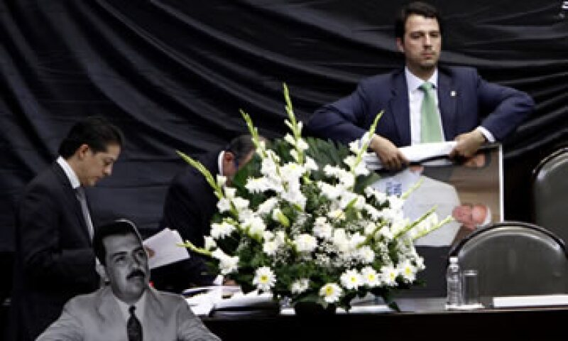 Presuntamente el reptil salió de las flores colocadas en el Pleno por el PRD. (Foto: Cuartoscuro)