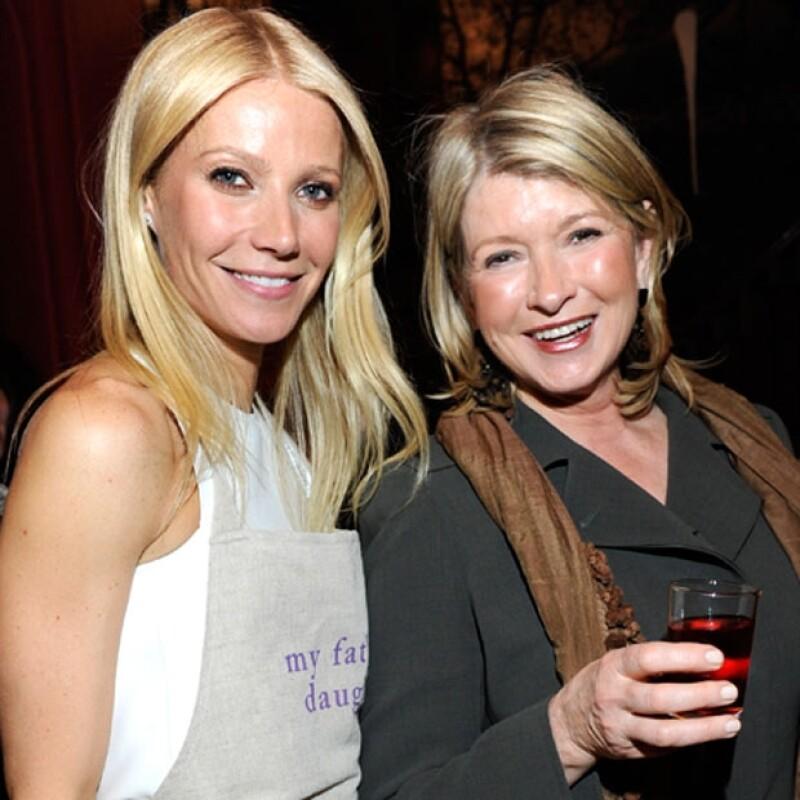 """¡Las cosas se ponen tensas entre las dos """"dictadoras"""" de estilos de vida! Parece que Paltrow (actriz reconvertida en gurú del wellness) empieza ya a poner nerviosa a Martha Stewart."""