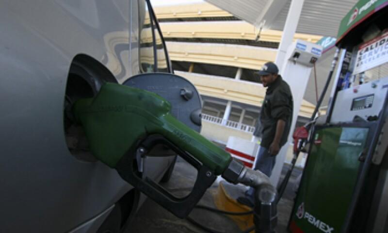 Debido a la exclusividad, las gasolineras deben pagar un sobreprecio de 1,000 mdp al año. (Foto: Cuartoscuro)