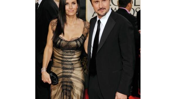 El actor estadunidense presentó de manera oficial los documentos legales para divorciarse de su esposa, la también actriz, debido a diferencias irreconciliables.