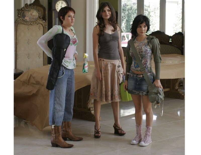 Otra de las pasiones de Ximena es la actuación, aquí con el elenco de `Niñas Mal´.