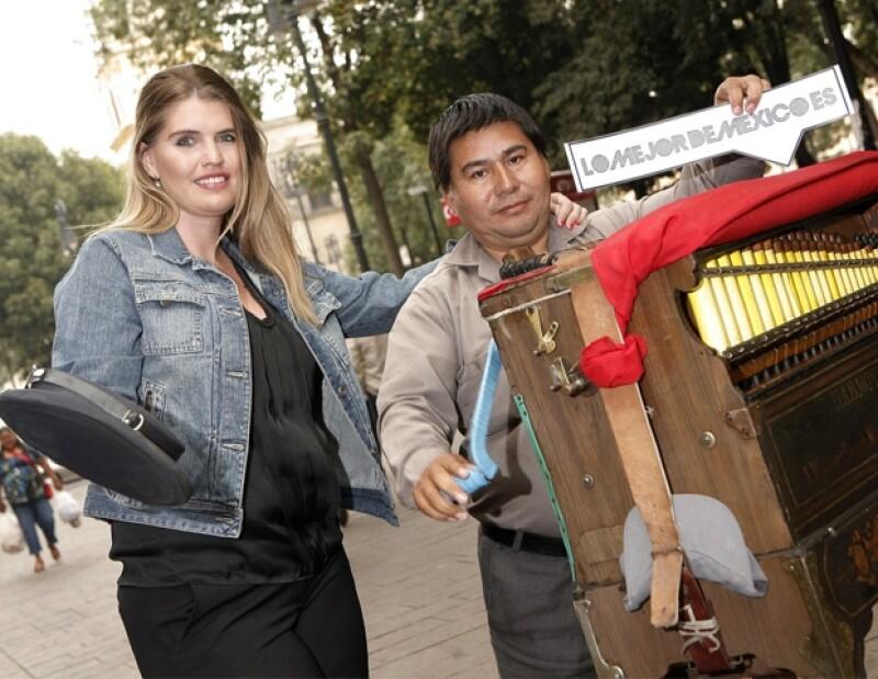 Max Villegas, Alejandra Rosillo, Antonio París y Lorenza Sánchez crearon un movimiento para potenciar el amor por el país.