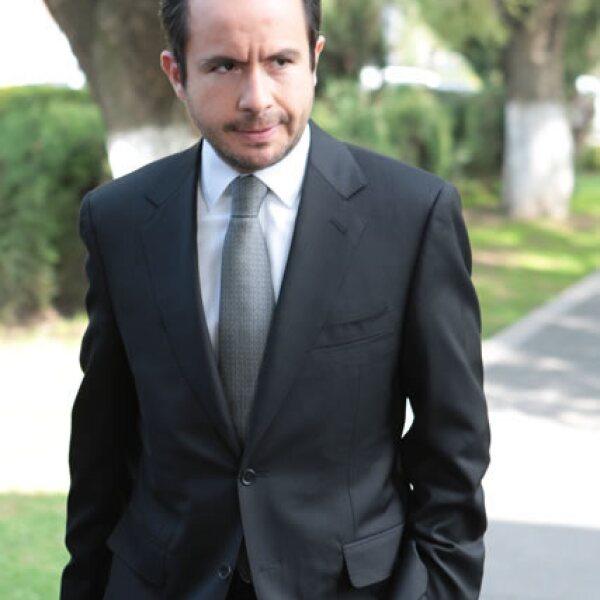 César Nava.