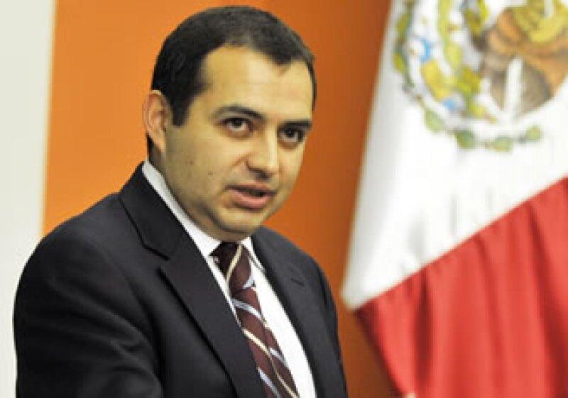 Los nuevos descubrimientos de hidrocarburos beneficiarán a las finanzas públicas de México, dijo Ernesto Cordero. (Foto: Archivo Notimex)