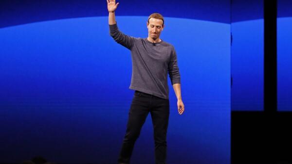 Facebook por partes.