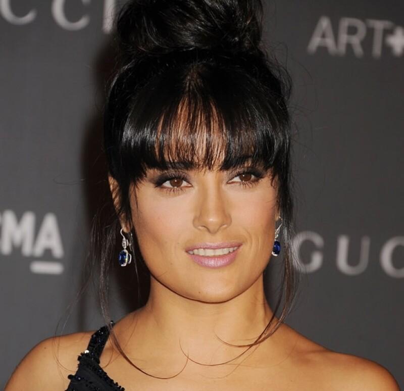 La actriz mexicana acudió el sábado por la noche a la gala Art and Film en Los Ángeles, donde se lució usando joyería exclusiva.