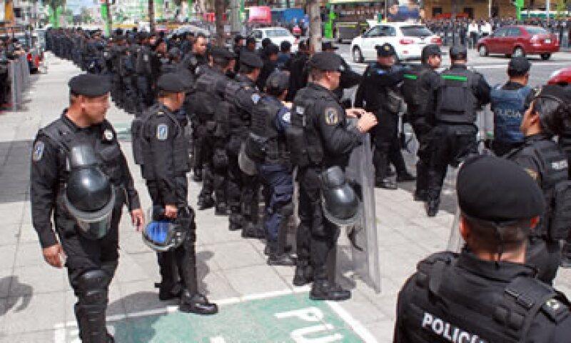 La institución con la menor confianza de la población es la policía de tránsito, seguida de la policía preventiva municipal y la policía estatal. (Foto: Notimex)