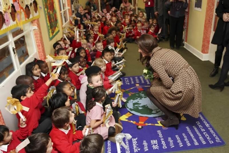 Kate Middleton convivió un rato con los niños.