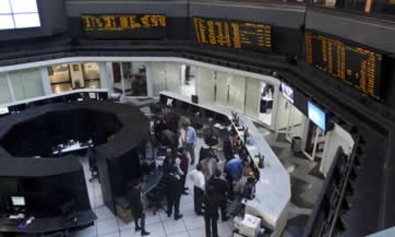 Los intermediarios colocadores son Banamex, Banorte, Actinver y Credit Suisse. (Foto: Cuartoscuro)