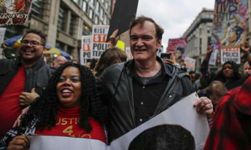 Cientos de personas, entre ellas Quentin Tarantino, se manifestaron el sábado pasado en Nueva York para protestar contra la brutalidad policial. (Foto: AFP)