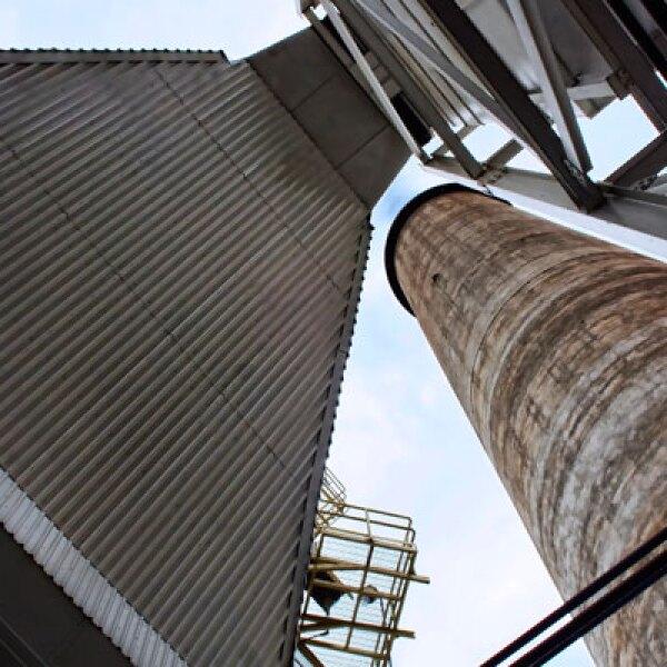 El vapor de las chimeneas hace posible que las turbines disponibles en la planta de Zacatecas generen 50 Megawatts por hora y trabajen a 6,000 revoluciones por minuto.