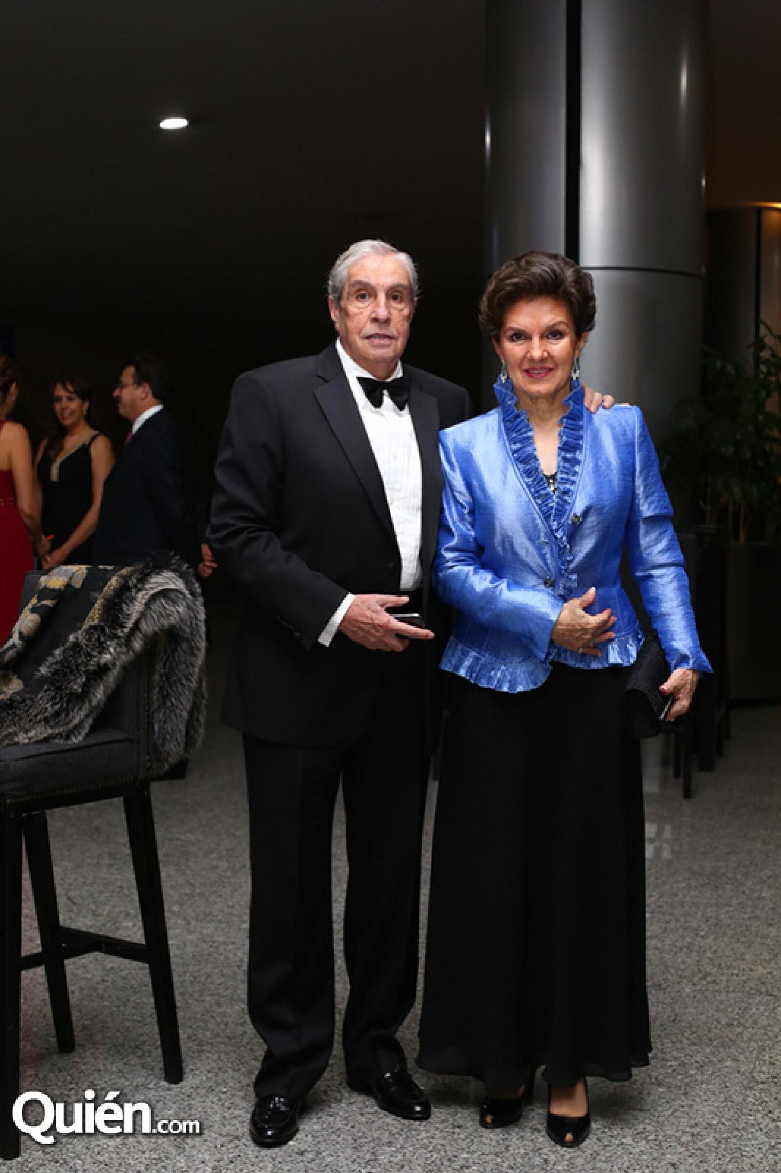 Juan y Luci Acra