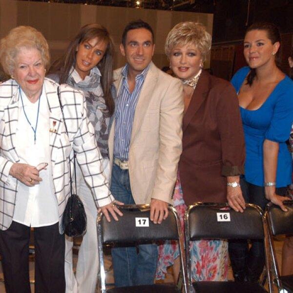 En 2008 juntoa Sabine Moussier, Alex Ibarra, Angélica María y Alicia Machado.