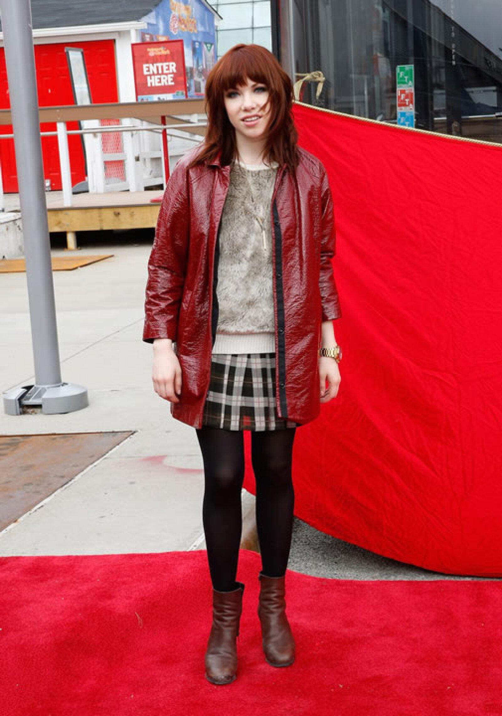 Carly Rae Jepsen- `Este outfit no es Call Me Maybe, es Nunca Me Llames.