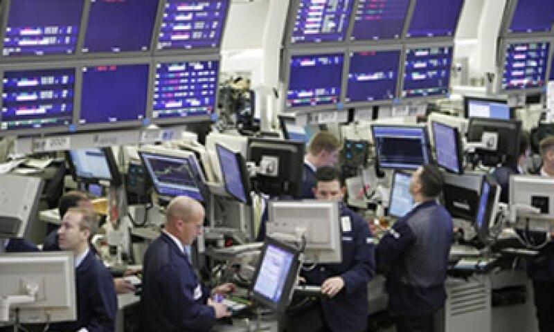 Los expertos aseguran que las empresas de seguridad atraerán inversiones en la Bolsa de EU. (Foto: Reuters)