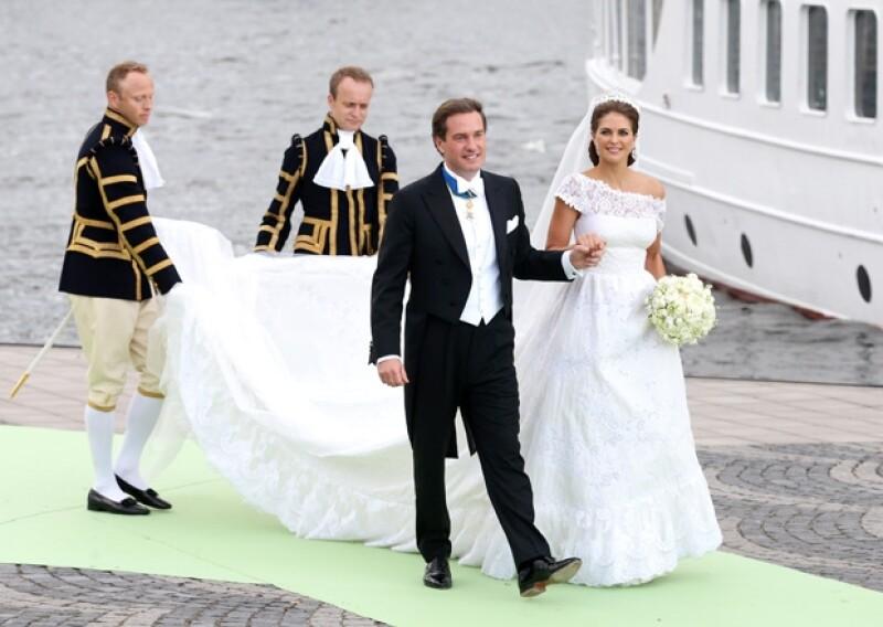 Esta mañana, la Casa Real sueca dio a conocer los lujosos detalles sobre la recepción que disfrutaron los invitados a la boda de la princesa Magdalena, en el palacio de Drottningholm, Suecia.